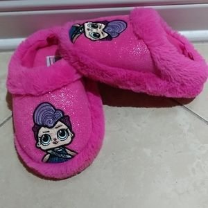 LOL Surprise girls size 11/12 fuzzy pink slippers